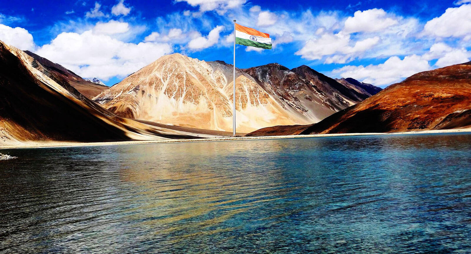 giant indian flag at ladakh